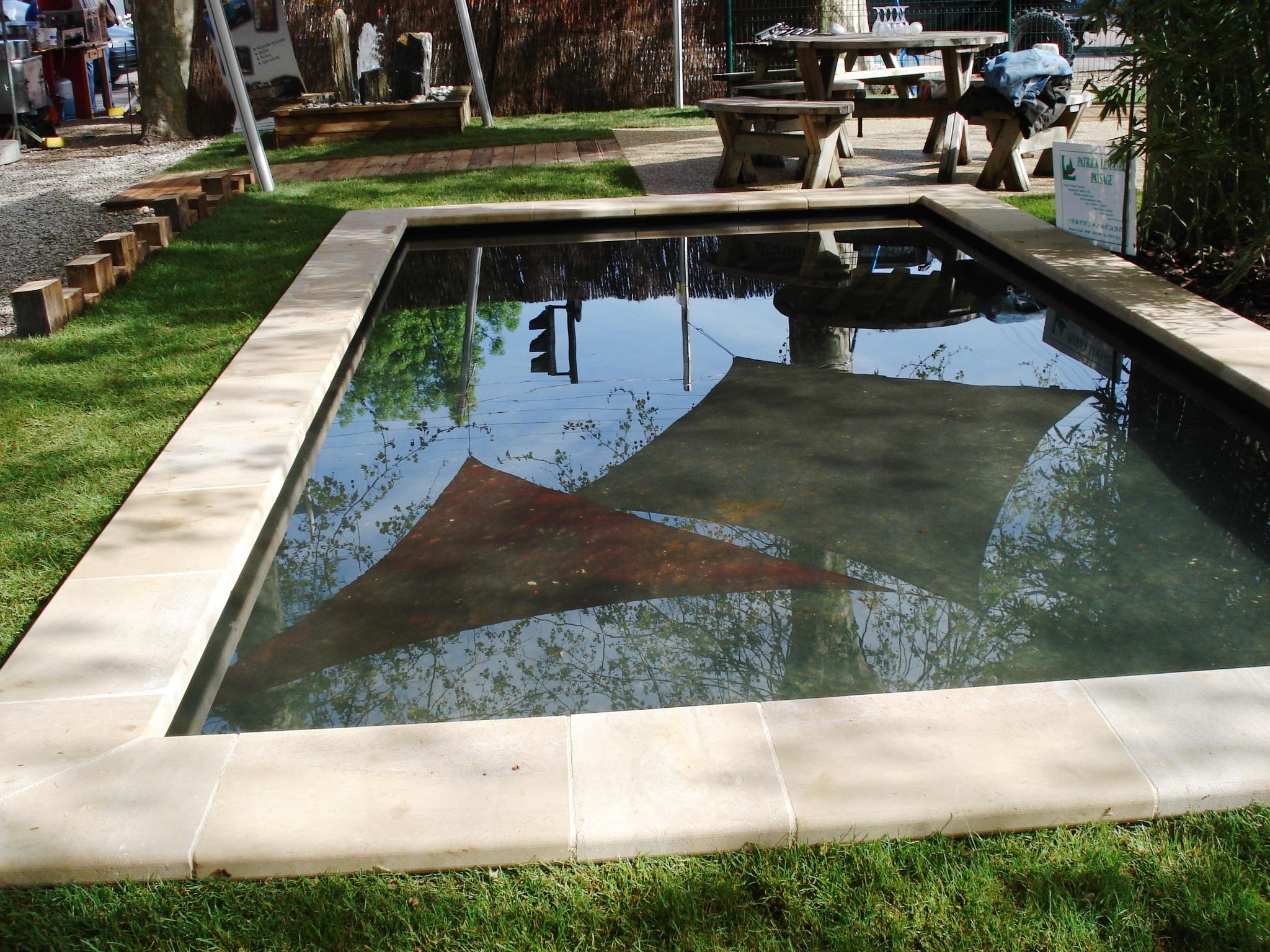 Piscine naturelle for Autoconstruction piscine naturelle